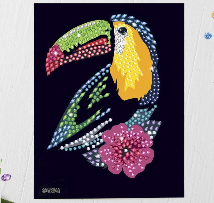 """Алмазная мозаика стразами """"Тукан с цветком"""""""